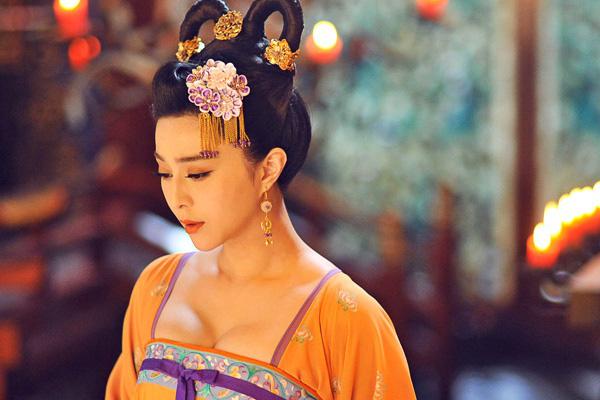 """Mỹ nhân phim cổ trang Trung Quốc ngoài đời gây """"choáng"""" gương mặt bị chê đơ cứng - Ảnh 4."""