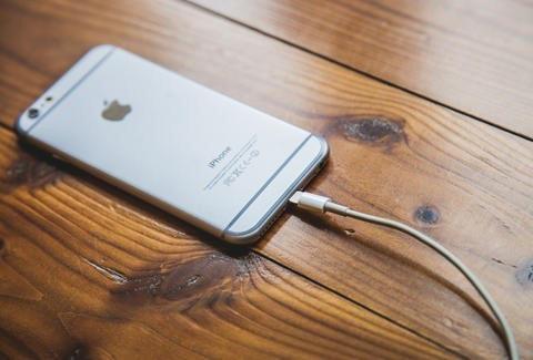 Mách nhỏ cách dùng pin iPhone bền không tưởng - Ảnh 4.