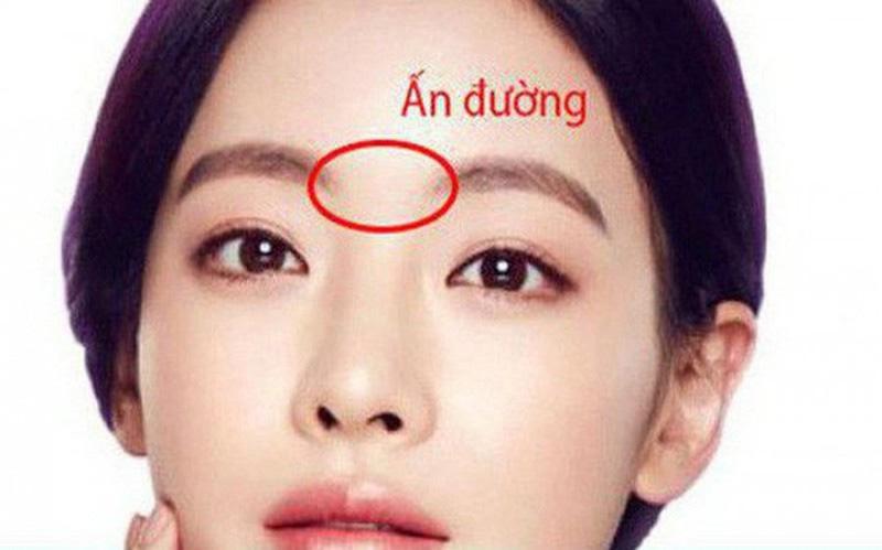3 dấu hiệu trên gương mặt cho thấy có thể vận đen của bạn đang đến - Ảnh 2.