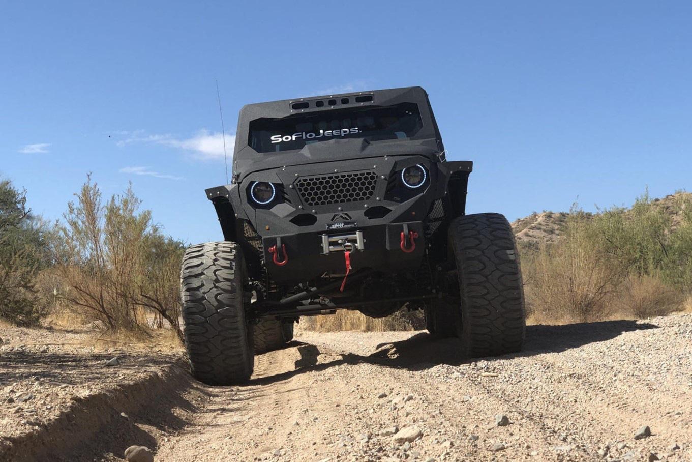 Bản độ Jeep Gladiator 6x6 giá 139.000 USD - Ảnh 6.