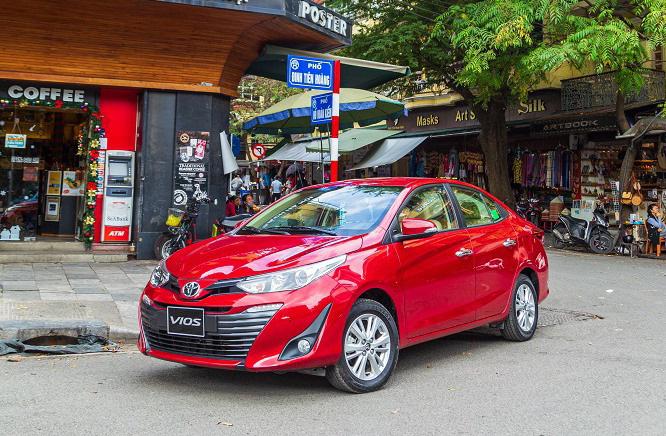 Cả thập kỷ, mặc khen chê, Toyota Vios vẫn là số 1 thị trường xe Việt - Ảnh 2.