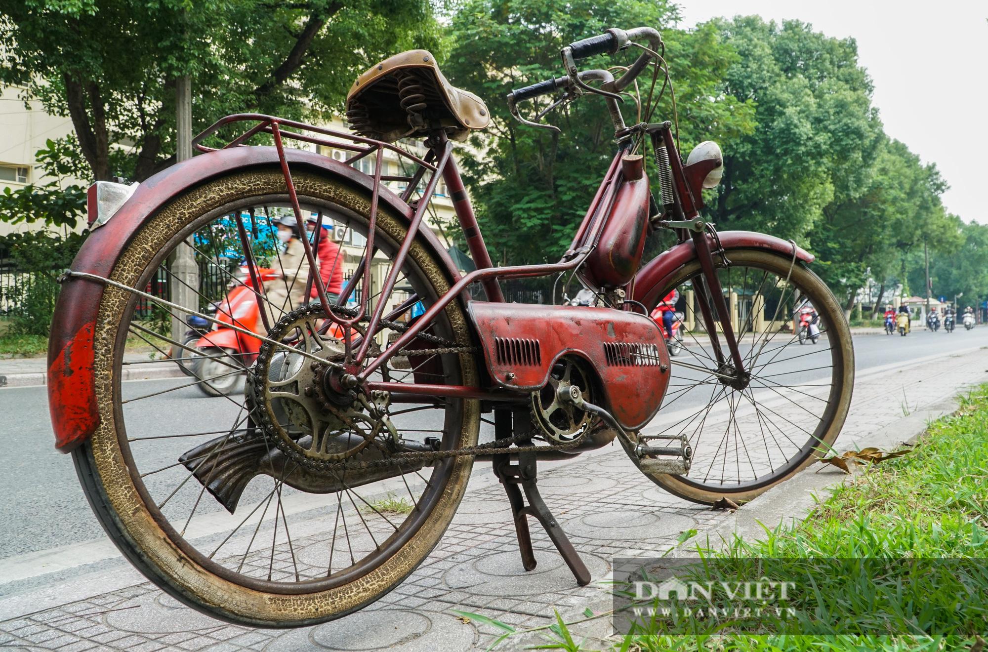 Xe máy Georges Catte gần 70 tuổi vẫn chạy bon bon trên đường - Ảnh 4.