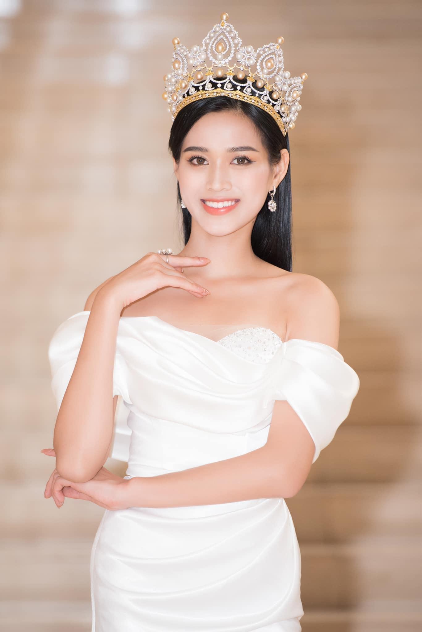 Đỗ Thị Hà hứa hẹn điều gì với fan hâm mộ sau ngày đăng quang Hoa hậu Việt Nam 2020? - Ảnh 1.