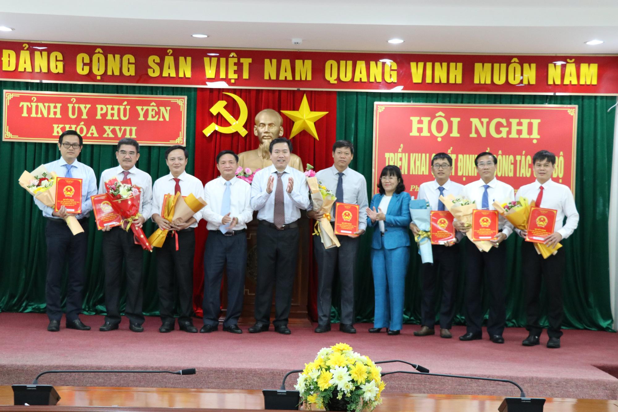 Phú Yên: Điều động, bổ nhiệm 19 nhân sự chủ chốt - Ảnh 2.