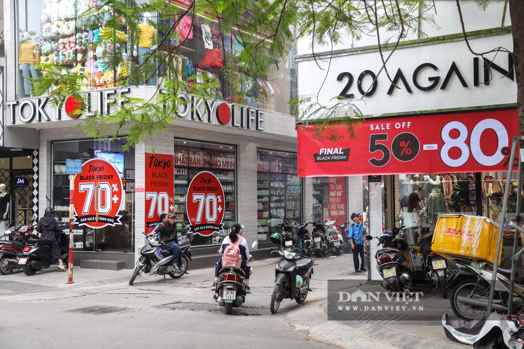 Phố thời trang Hà Nội rợp biển giảm giá 80% dù chưa đến Black Friday - Ảnh 13.