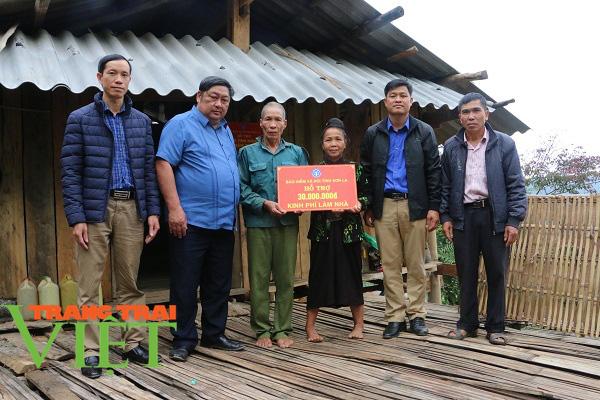 BHXH tỉnh Sơn La: Phát triển đối tượng tham gia BHYT là góp phần xây dựng nông thôn mới - Ảnh 3.