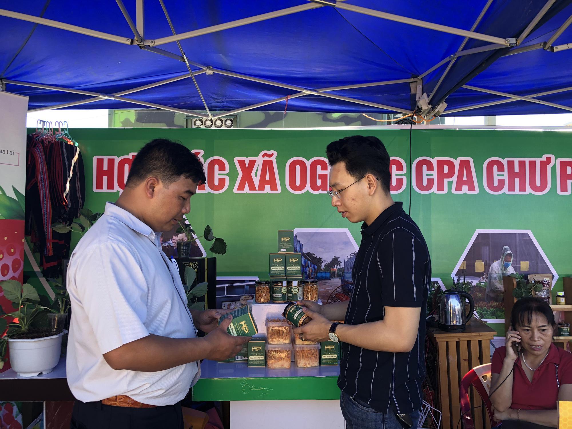 Đa dạng các sản phẩm OCOP tại các lễ hội, kết nối sản xuất với tiêu dùng - Ảnh 6.
