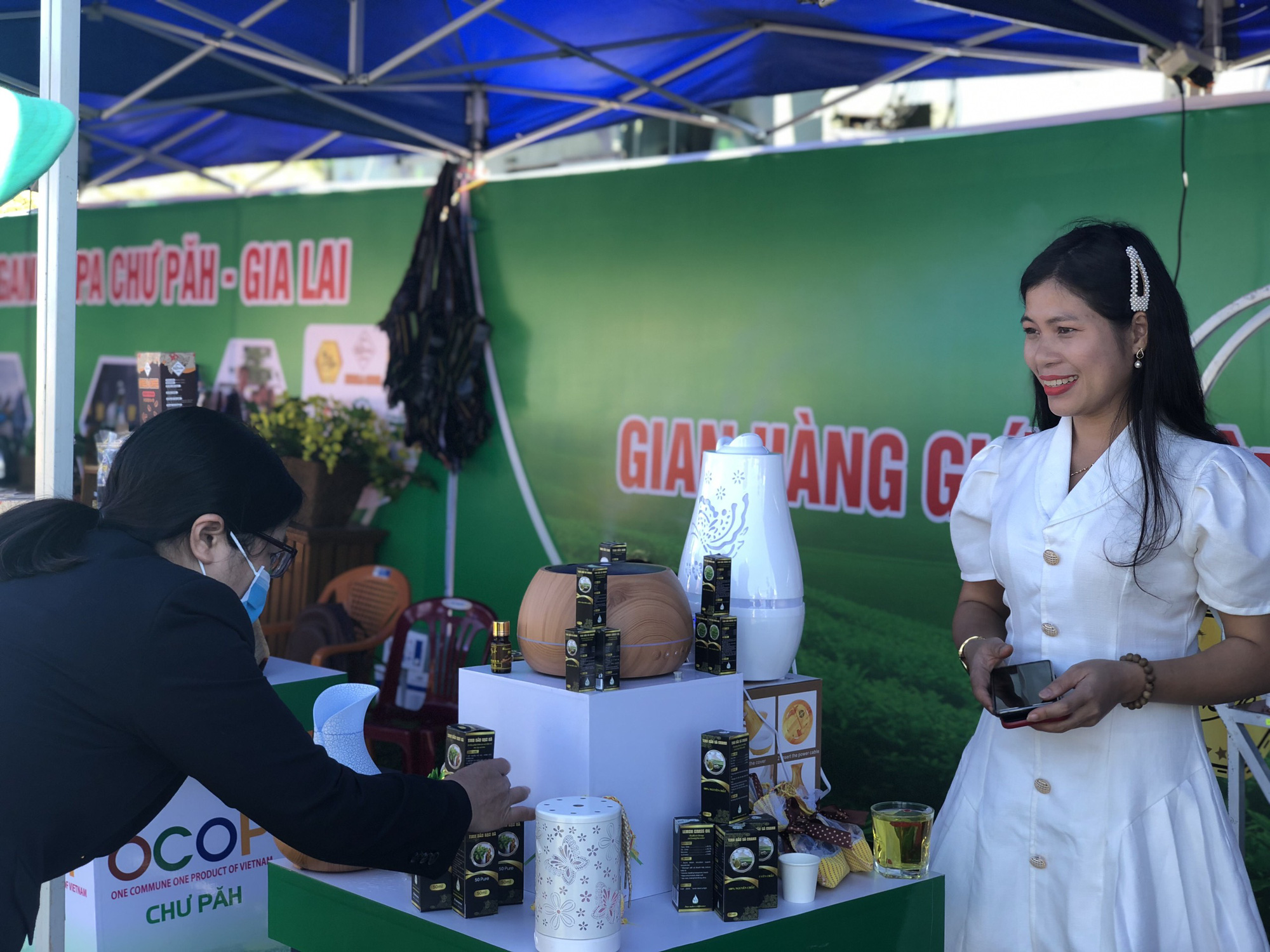 Đa dạng các sản phẩm OCOP tại các lễ hội, kết nối sản xuất với tiêu dùng - Ảnh 5.