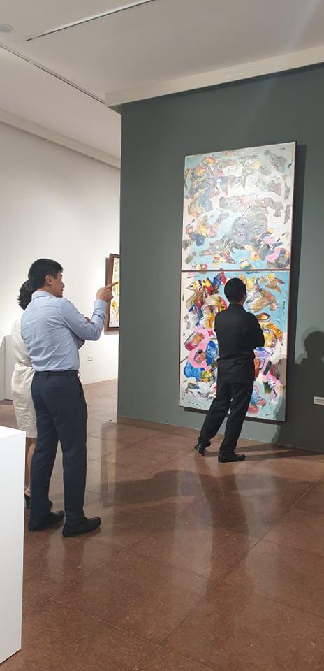 """Khai mạc Triển lãm tranh và điêu khắc """"Người bay và giấc mơ siêu thực"""" của doanh nhân Đinh Phong - Ảnh 7."""
