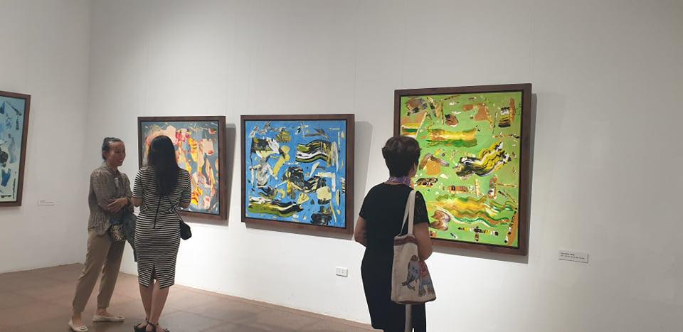 """Khai mạc Triển lãm tranh và điêu khắc """"Người bay và giấc mơ siêu thực"""" của doanh nhân Đinh Phong - Ảnh 5."""