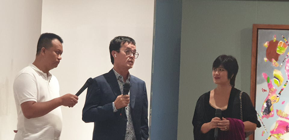 """Khai mạc Triển lãm tranh và điêu khắc """"Người bay và giấc mơ siêu thực"""" của doanh nhân Đinh Phong - Ảnh 3."""