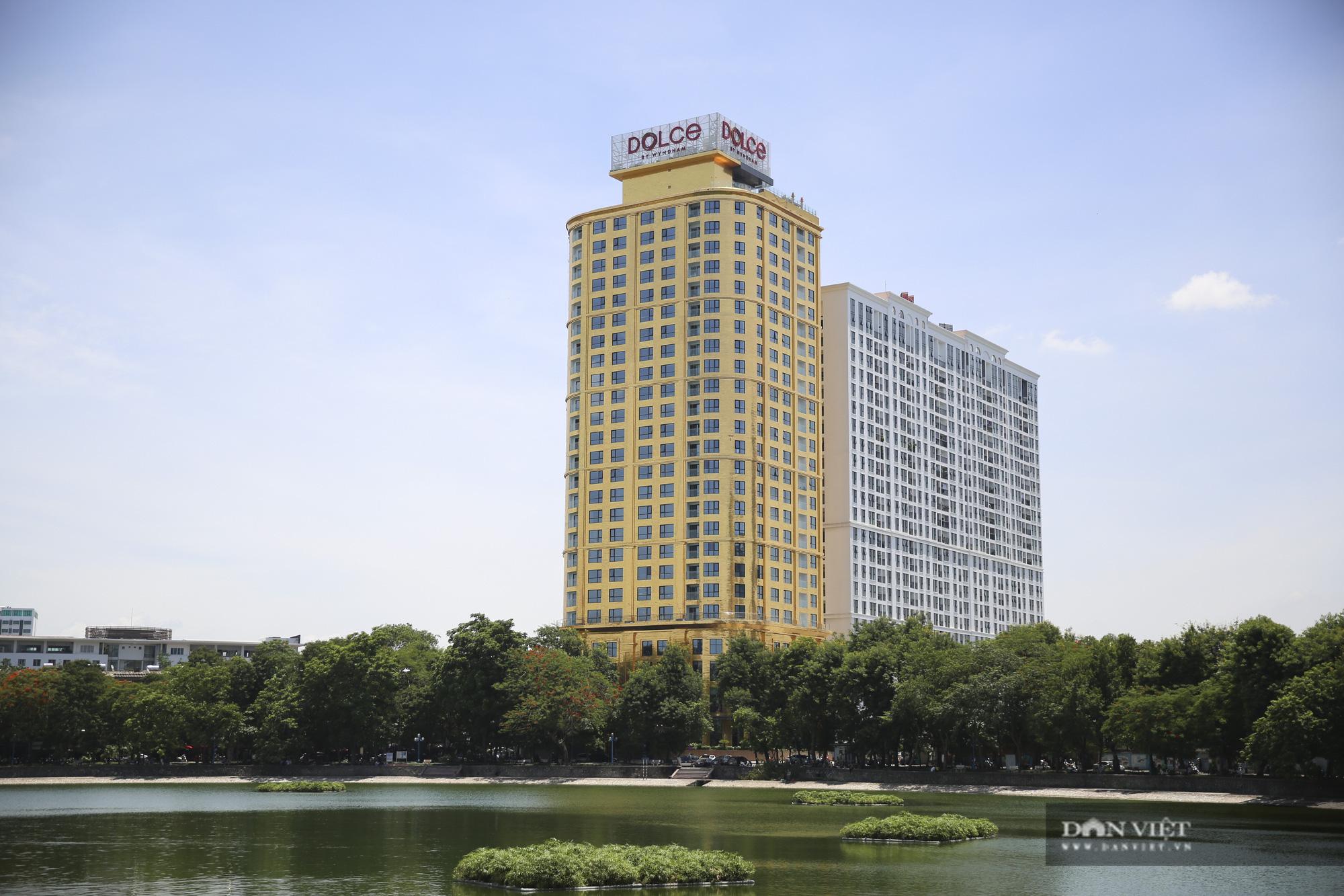 Cận cảnh khách sạn đạt kỷ lục dát nhiều vàng 24k nhất thế giới tại Hà Nội  - Ảnh 1.