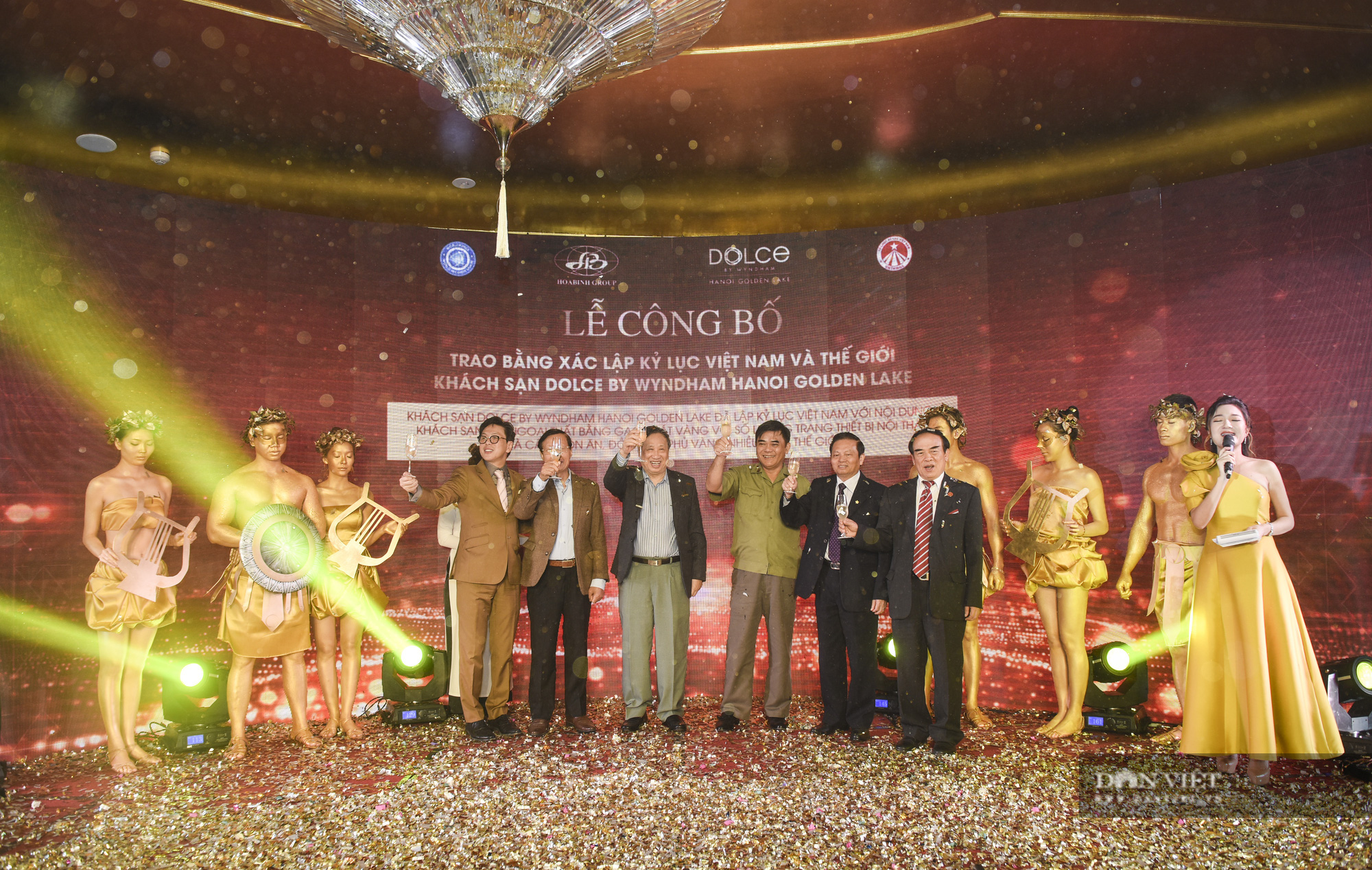 Cận cảnh khách sạn đạt kỷ lục dát nhiều vàng 24k nhất thế giới tại Hà Nội  - Ảnh 11.