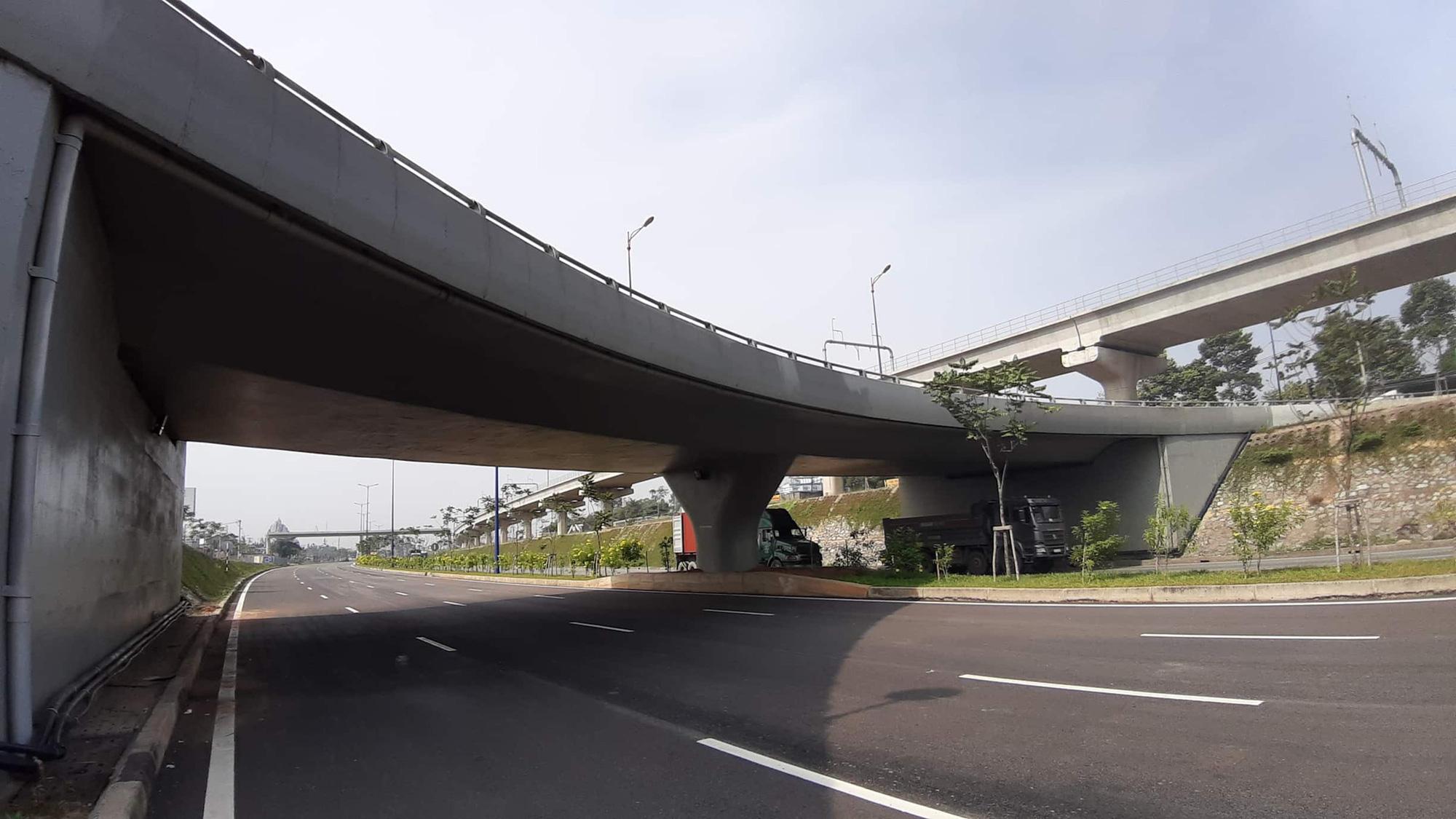 Xa lộ Hà Nội: Dài cổ chờ… thu phí - Ảnh 1.