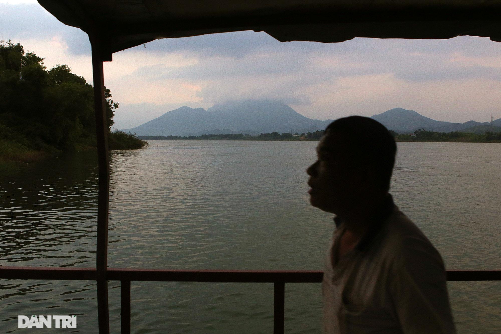 Núi thiêng gần Hà Nội đẹp mê mải nhìn từ muôn phương tám hướng - Ảnh 12.