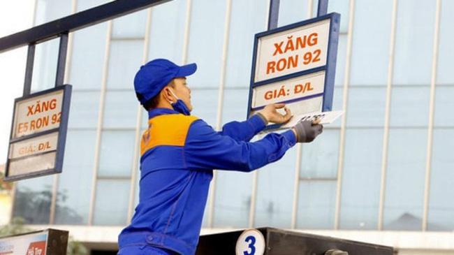 Giá xăng, dầu tăng lên cao nhất trong 8 tháng qua - Ảnh 1.