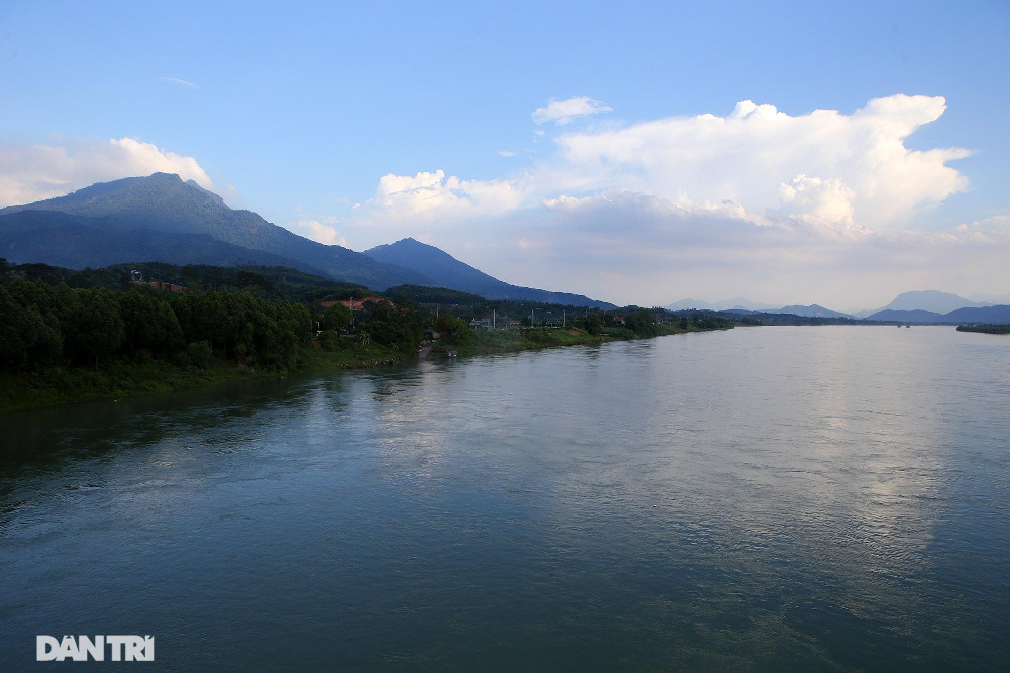 Núi thiêng gần Hà Nội đẹp mê mải nhìn từ muôn phương tám hướng - Ảnh 9.