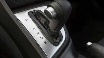 Kinh nghiệm sử dụng phanh ô tô đặc biệt hữu ích với chị em - Ảnh 7.