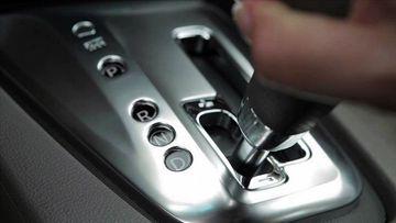 Kinh nghiệm sử dụng phanh ô tô đặc biệt hữu ích với chị em - Ảnh 6.
