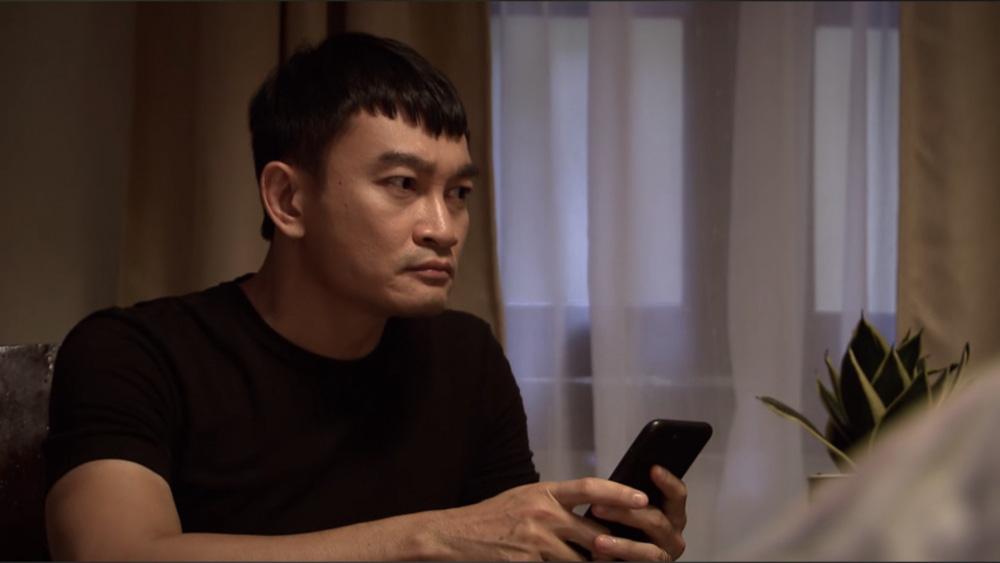 Lửa ấm tập 42: Minh đòi ly hôn khi thấy Thủy vào khách sạn với Khánh - Ảnh 2.