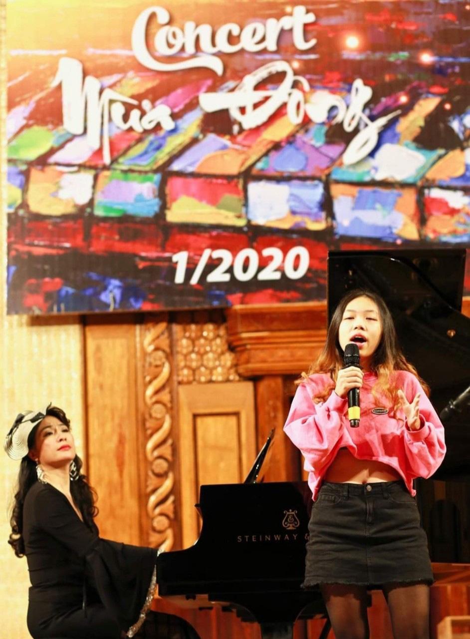 Ca sĩ Thùy Dung vẫn ngập tràn hạnh phúc khi rời xa sân khấu - Ảnh 2.