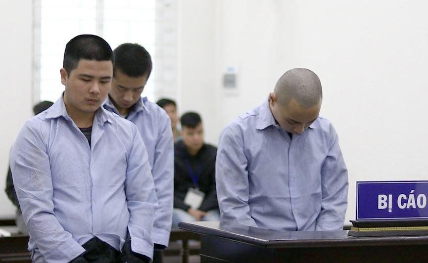 Giết tài xế taxi, ném xác xuống sông: 3 người Trung Quốc lĩnh án - Ảnh 1.