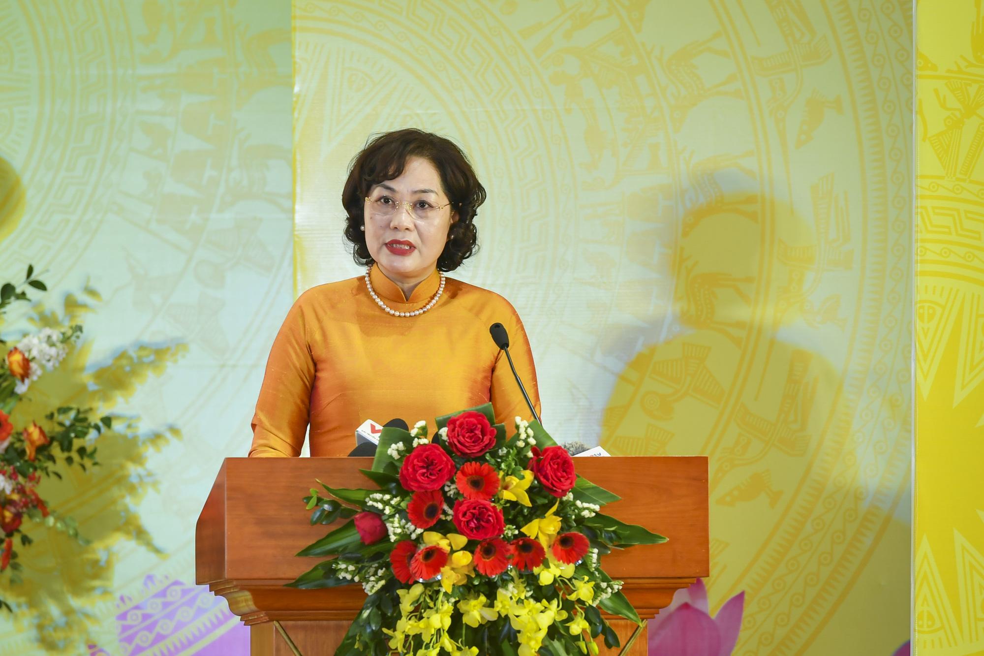 """Chủ tịch Quốc hội Nguyễn Thị Kim Ngân: """"Nhiệm vụ của ngành ngân hàng còn rất nặng nề"""" - Ảnh 2."""