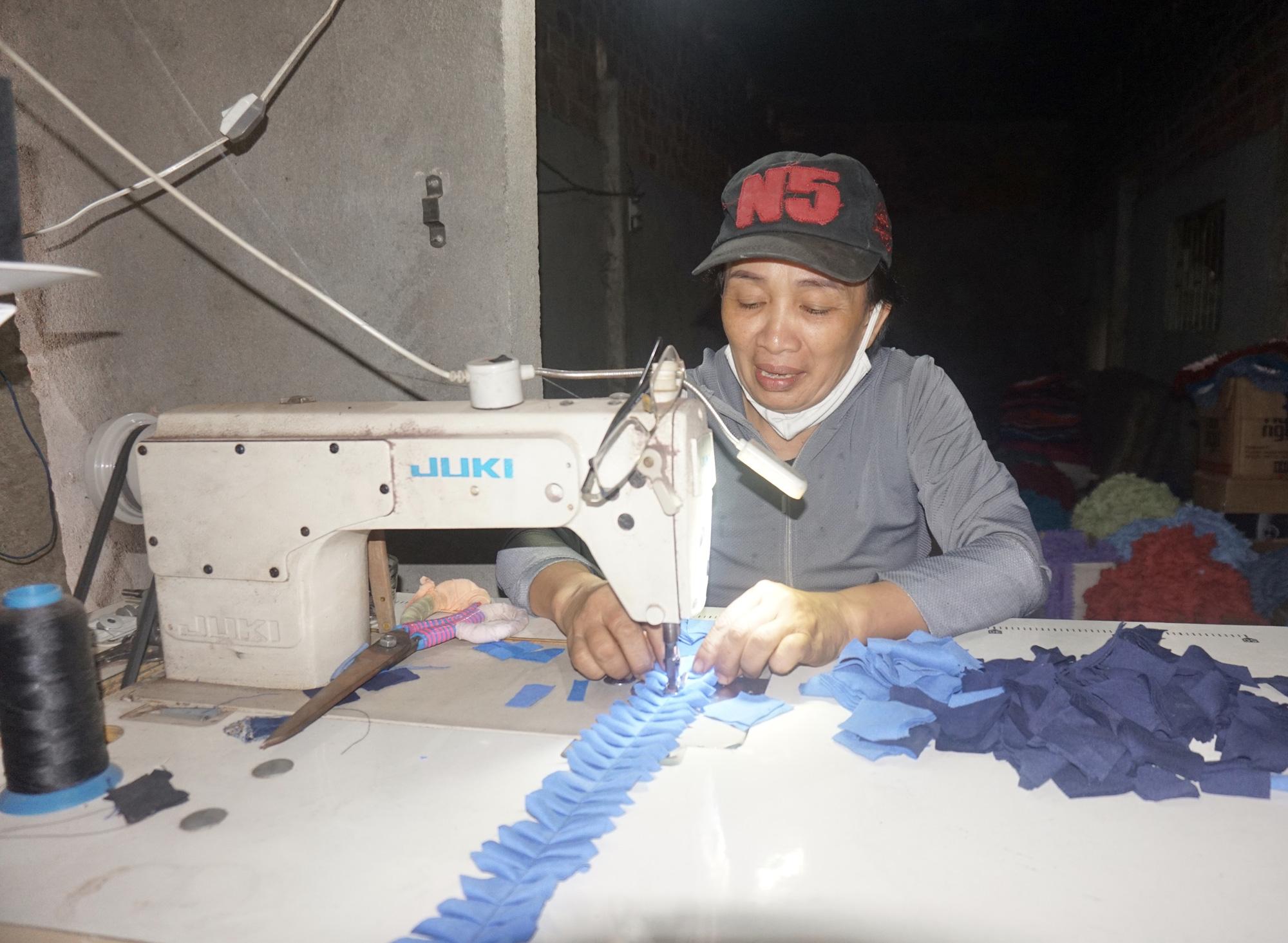 Đà Nẵng: Khởi nghiệp từ vải vụn, phụ nữ nghèo đơn thân vươn lên làm giàu - Ảnh 5.