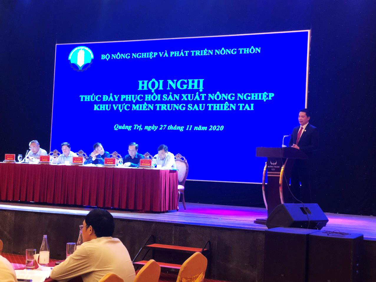 Hội nghị thúc đẩy phục hồi sản xuất nông nghiệp khu vực miền Trung sau thiên tai - Ảnh 1.