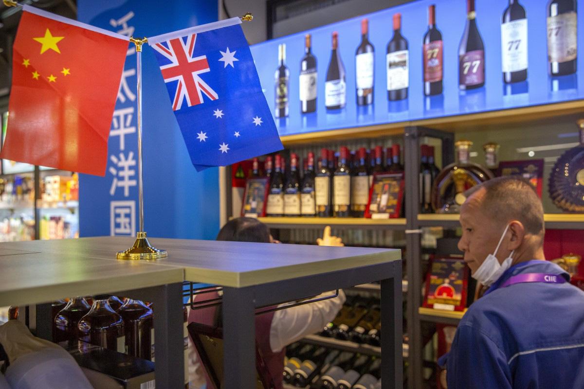 DN rượu vang Úc quằn quại vì mức thuế 'cắt cổ' 212,1% từ Trung Quốc - Ảnh 1.