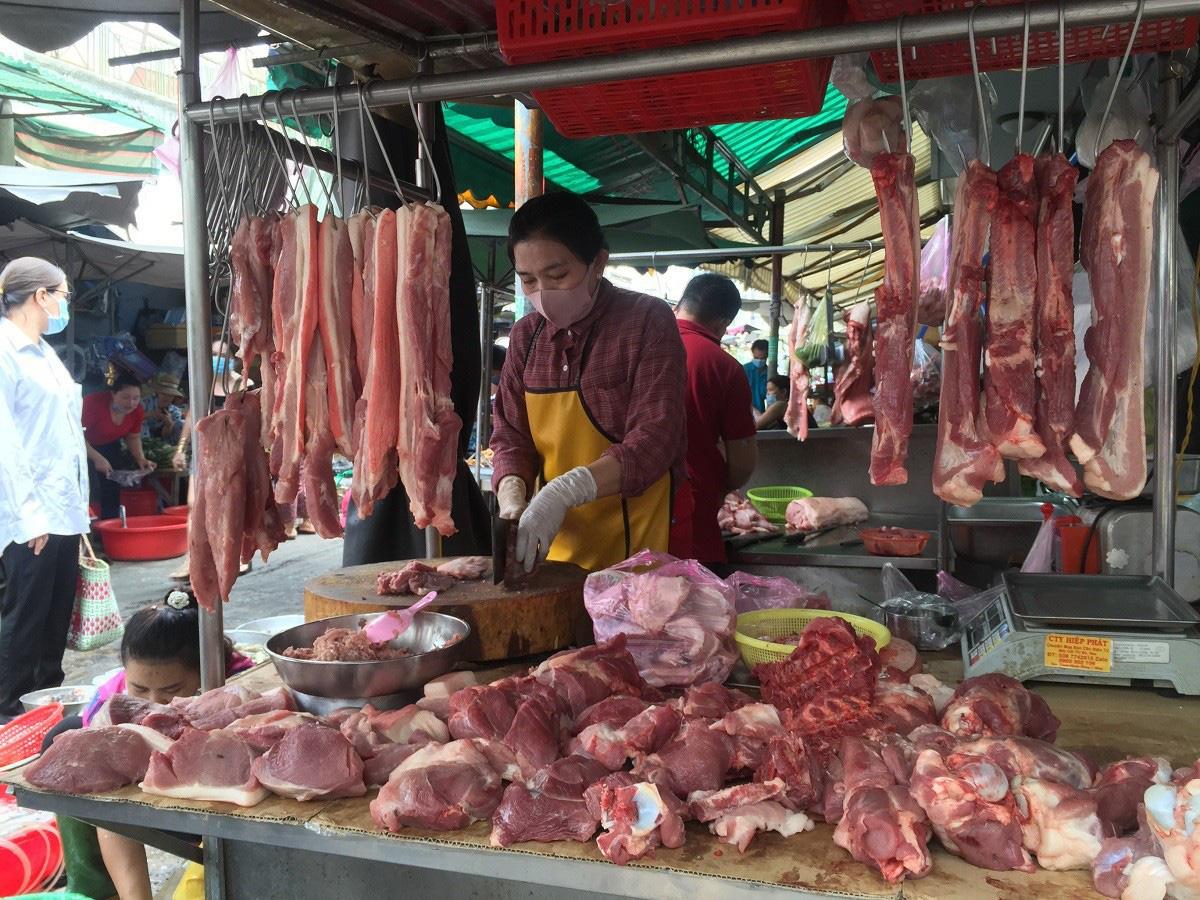 Giá lợn hơi hôm nay (29/11): Ổn định sau một tuần tăng - giảm trái chiều - Ảnh 3.