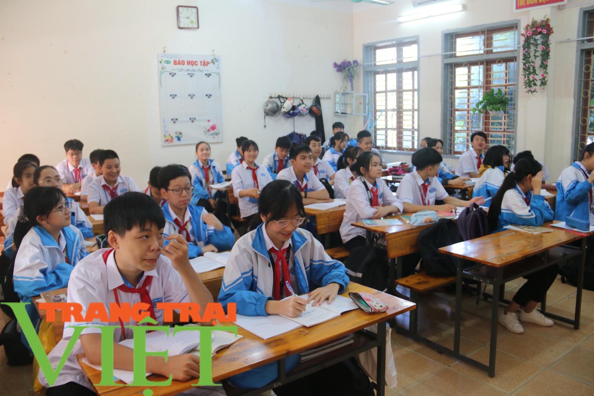 BHXH Mai Sơn: Thực hiện tốt bảo hiểm y tế học sinh - Ảnh 1.