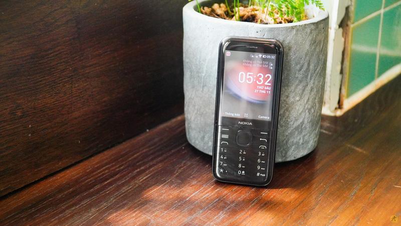 Tất tần tật về điện thoại Nokia 8000 đang gây chú ý - Ảnh 12.