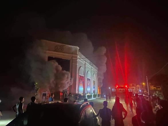 """Vụ 3 nữ """"dancer"""" tử vong vì hỏa hoạn ở Vĩnh Phúc: Trách nhiệm các bên liên quan thế nào?"""