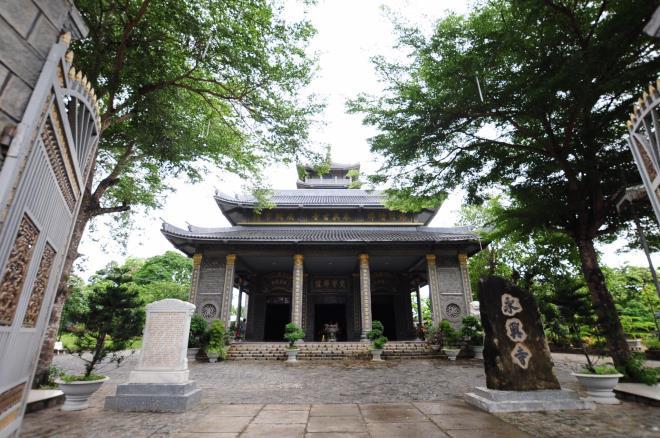 Sóc Trăng: Ngôi chùa đá đặc biệt ở miền Tây, trong chùa là những tượng phật bằng đá đen - Ảnh 6.