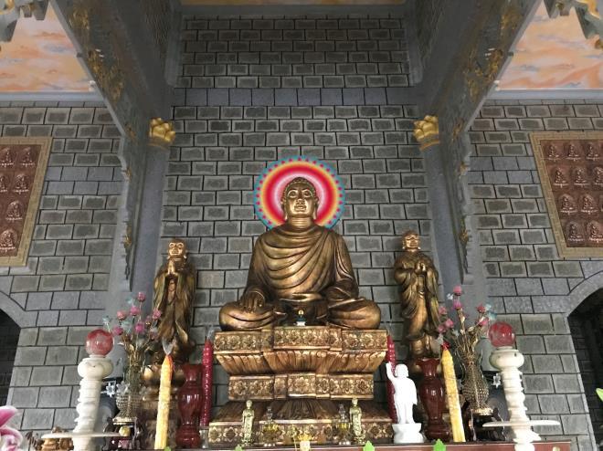 Sóc Trăng: Ngôi chùa đá đặc biệt ở miền Tây, trong chùa là những tượng phật bằng đá đen - Ảnh 5.