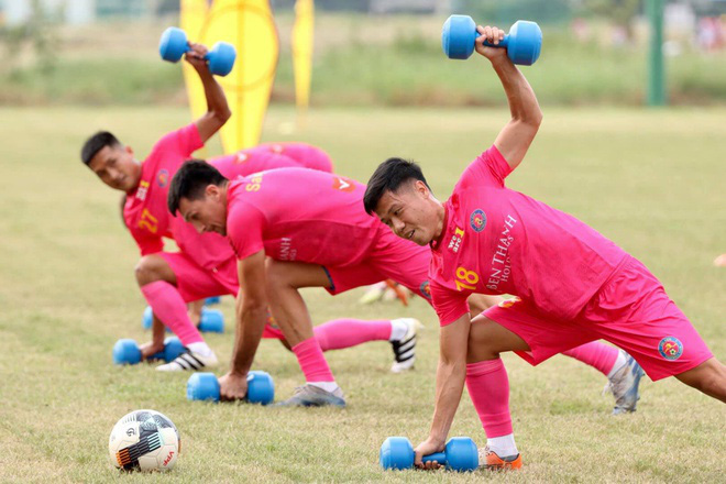 """Lọc sạch """"quân bầu Hiển"""", Sài Gòn FC bổ sung 3 ngoại binh từ J.League - Ảnh 1."""