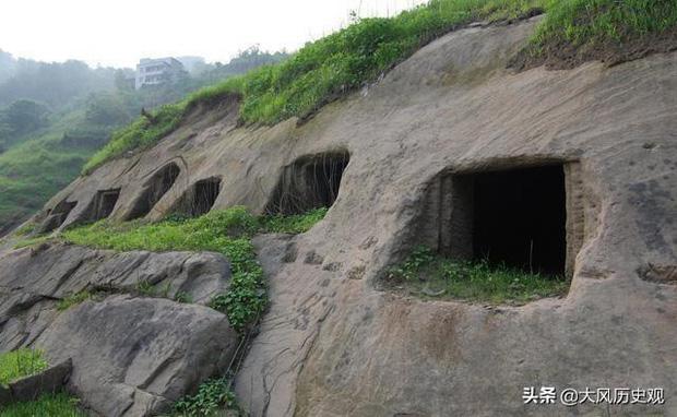 """Phong tục tang lễ tàn khốc nhất Trung Quốc: """"Chôn sống"""" cha mẹ già - Ảnh 1."""