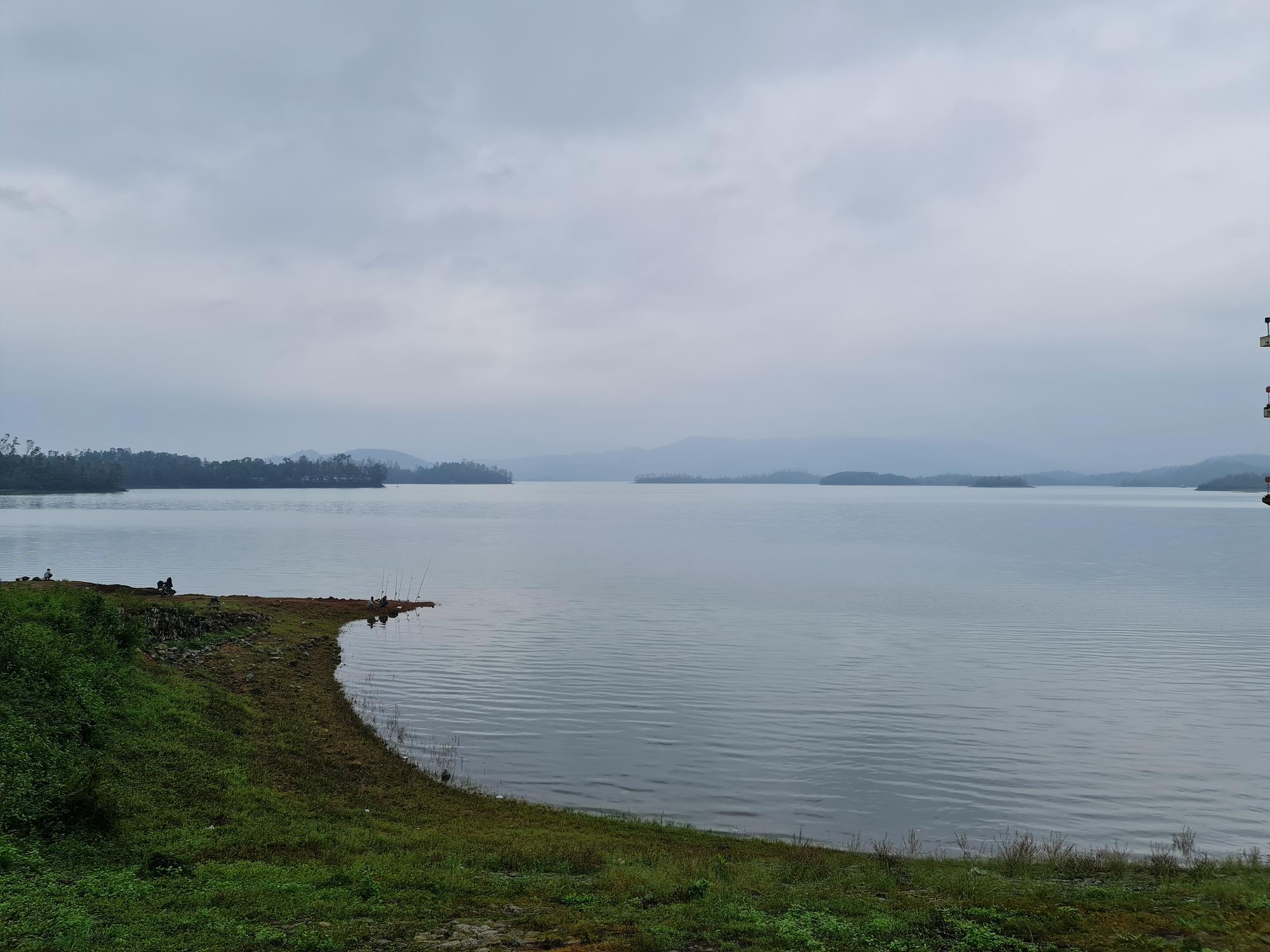 Quảng Nam: Hồ Phú Ninh an toàn, còn chứa khoảng 200 triệu mét khối nước - Ảnh 2.