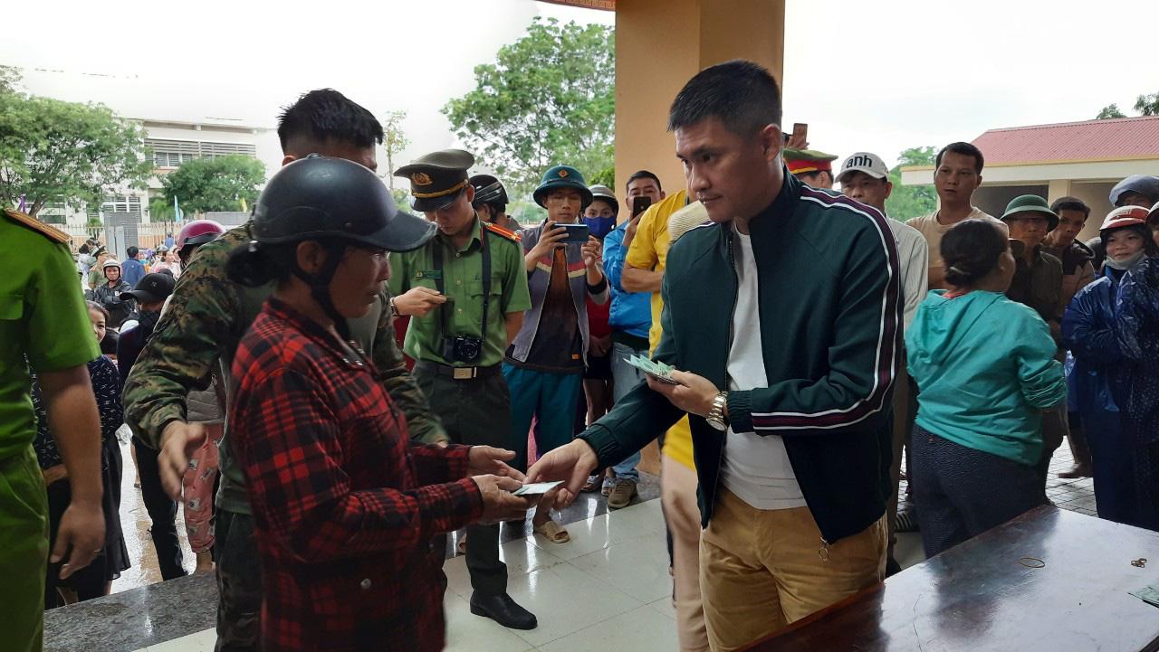 Thuỷ Tiên quay lại Quảng Trị hỗ trợ người dân bị ảnh hưởng lũ lụt - Ảnh 8.