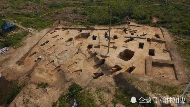 """Phong tục tang lễ tàn khốc nhất Trung Quốc: """"Chôn sống"""" cha mẹ già - Ảnh 5."""
