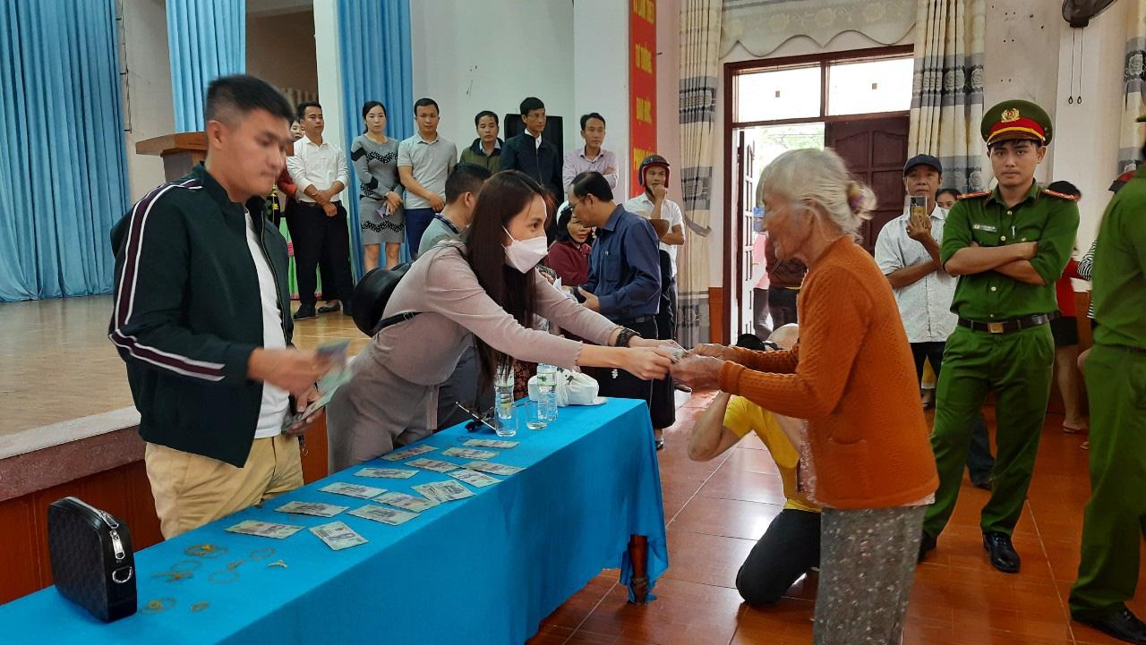 Thuỷ Tiên quay lại Quảng Trị hỗ trợ người dân bị ảnh hưởng lũ lụt - Ảnh 6.
