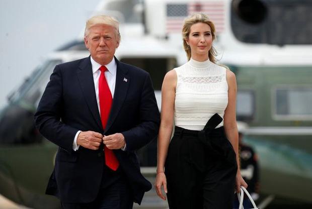 Chân dài gợi cảm là trợ thủ đắc lực của Tổng thống Donald Trump trong chiến dịch tranh cử quyền lực như thế nào? - Ảnh 1.