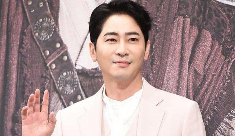 Tài tử xứ Hàn nhận án phạt 3 năm tù giam vì xâm hại tình dục - Ảnh 1.