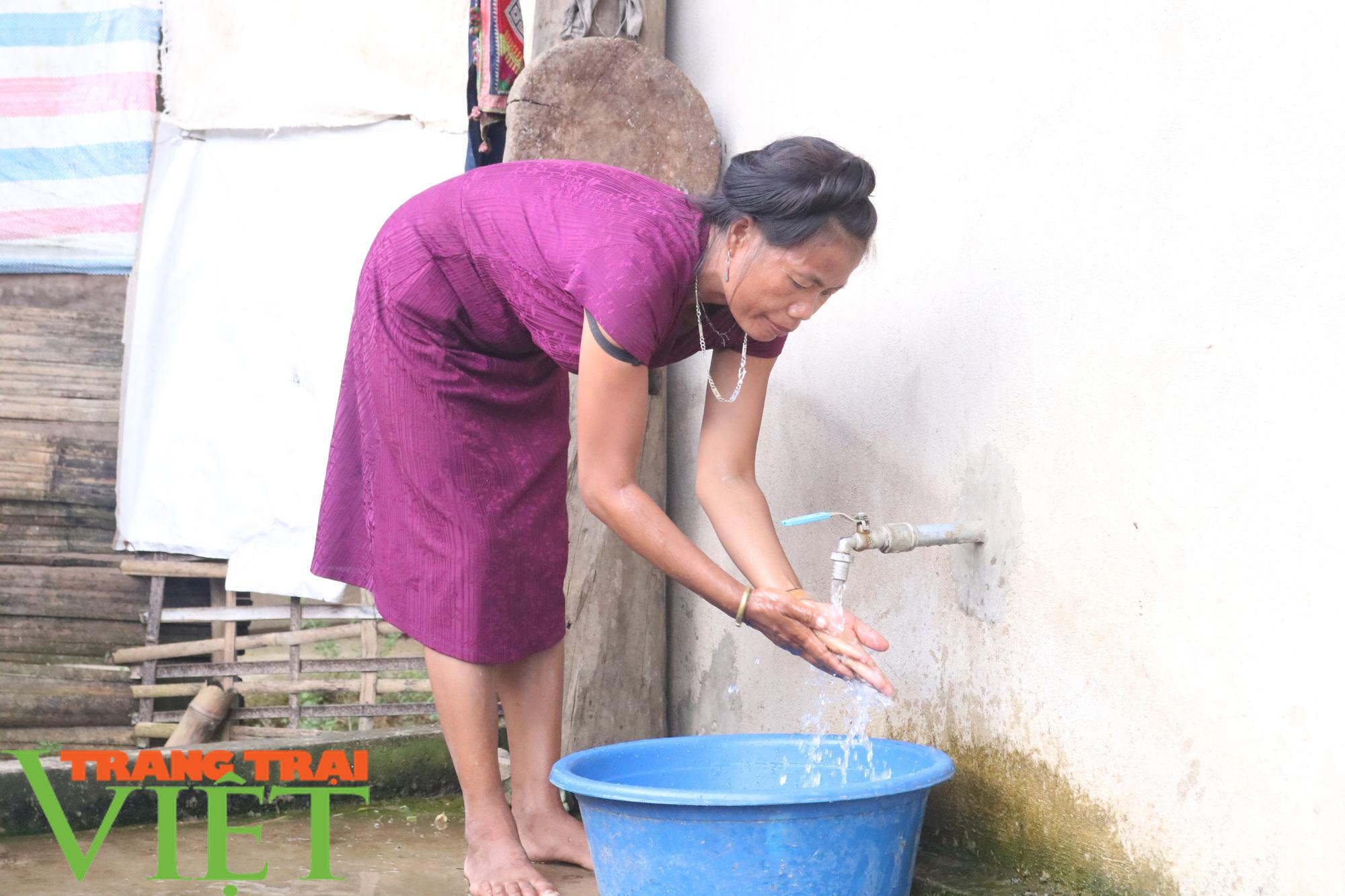 Nước sạch về bản vùng cao - Ảnh 2.
