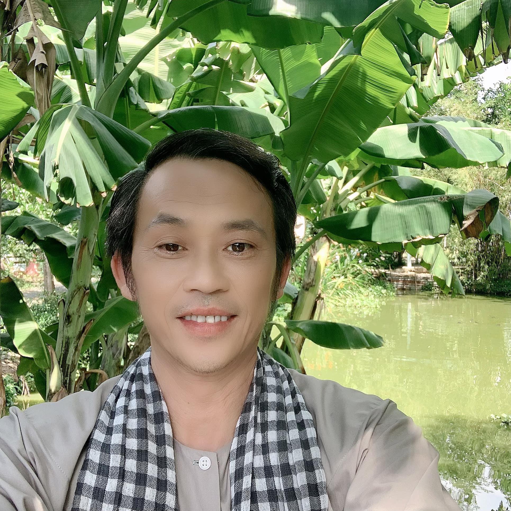 """Bất ngờ Hoài Linh báo """"tin vui"""" lúc nửa đêm, nói 1 câu nếu bị anti-fan """"ném đá"""" - Ảnh 2."""