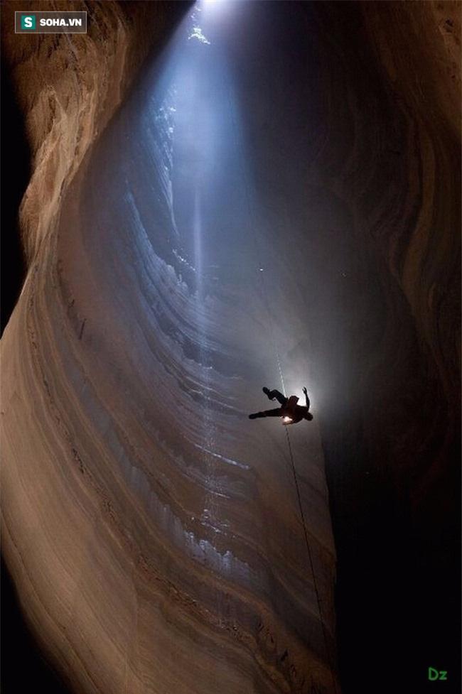"""Bí ẩn """"lối vào lòng Trái Đất"""" sâu nhất hành tinh - Ảnh 2."""