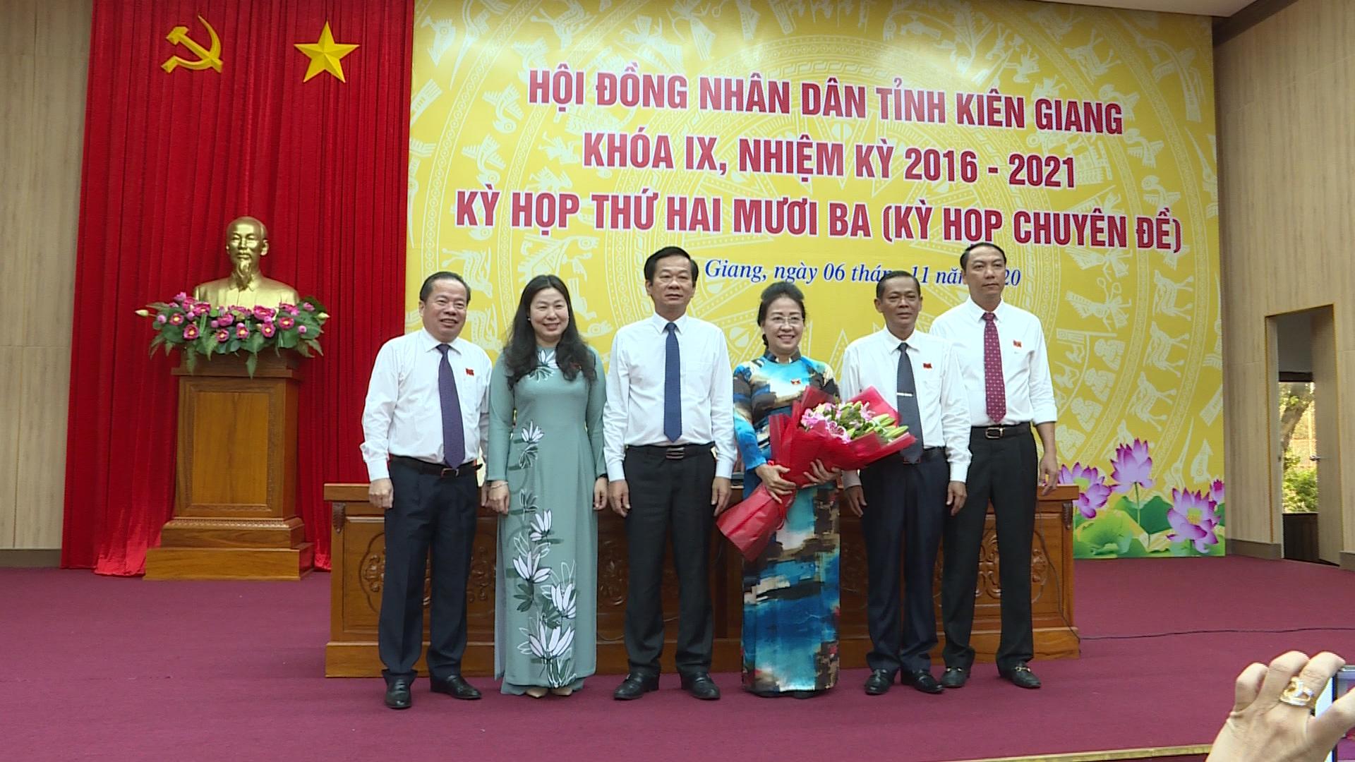 Kiên Giang: Ông Mai Văn Huỳnh giữ chức Chủ tịch HĐND tỉnh và ông Lâm Minh Thành giữ chức Chủ tịch UBND tỉnh - Ảnh 1.