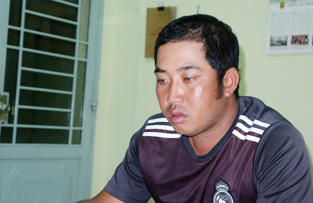 An Giang: Khởi tố, tạm giam 4 đối tượng vận chuyển 51kg vàng từ Campuchia về Việt Nam   - Ảnh 3.