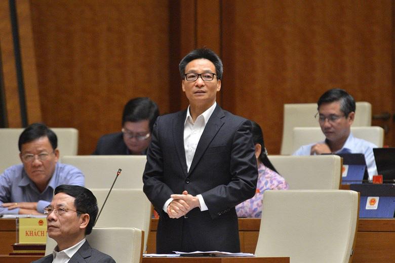 ĐBQH tranh luận với Phó Thủ tướng Vũ Đức Đam về việc cách chức Hiệu trưởng Đại học Tôn Đức Thắng - Ảnh 1.